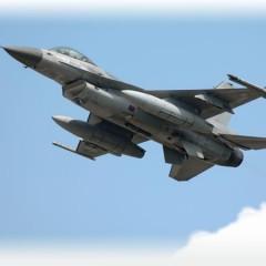 F16 simulator oplevelsesgave er de fede underholdning for ham