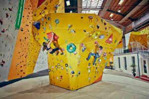giv en oplevelse på klatrevæg til manden der elsker en fysisk udfordring