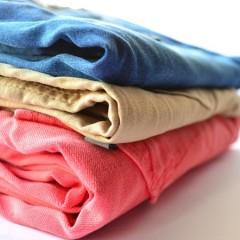 Tøjfolderen – Den perfekte gadget gave til tøjet (især til mænd)