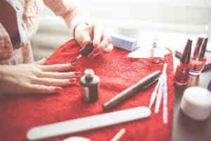 giv neglelak i julegave til teenagepiger
