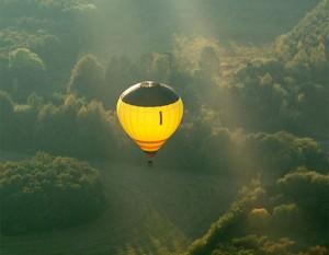 tag en tur i luftballonen