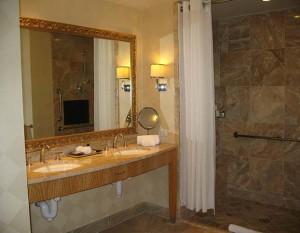 brug det elegante opbevarings muligheder på badeværelset