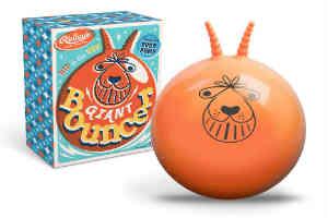 den klassiske hoppebold er sjovt legetøj for alle børn