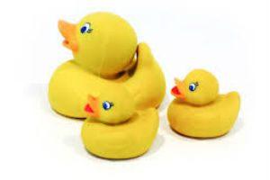 babyer og børn de sjove badeænder i gave