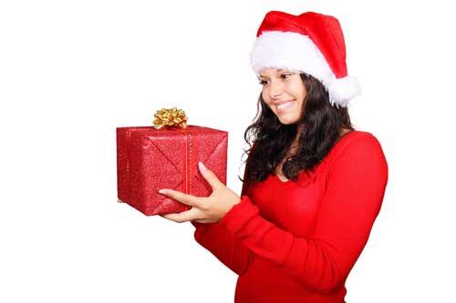 hun får opfyldt danskernes julegaveønsker 2014 med den pakke