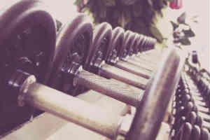 køb kosttilskud eller andet til drengen der træner sin krop