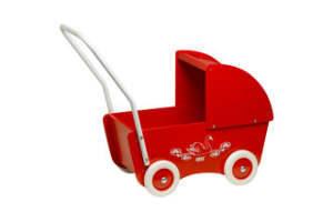 giv den røde dukkevogn til den lille pige i gave