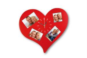 køb et sødt vægur med plads til romantiske billeder