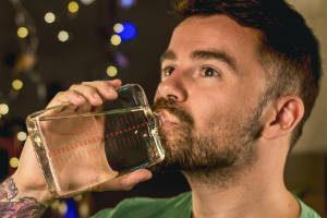 giv adventsflaske til teenagere eller unge mænd