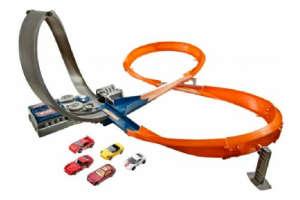 Køb en bilbane i gave til drenge på 4 år